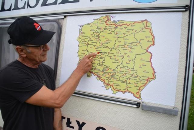 Zygmunt Kuś w podróży ciągnikiem po Polsce