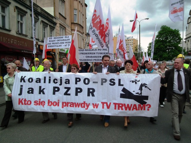 """Protest. W Bydgoszczy odbył się marsz w obronie TV """"Trwam"""" i wartości narodowych.ZDJĘCIA"""