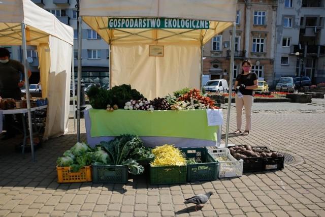 Spadki średnich cen odnotowano w przypadku sześciu spośród dziesięciu najczęściej promowanych warzyw w sklepach.