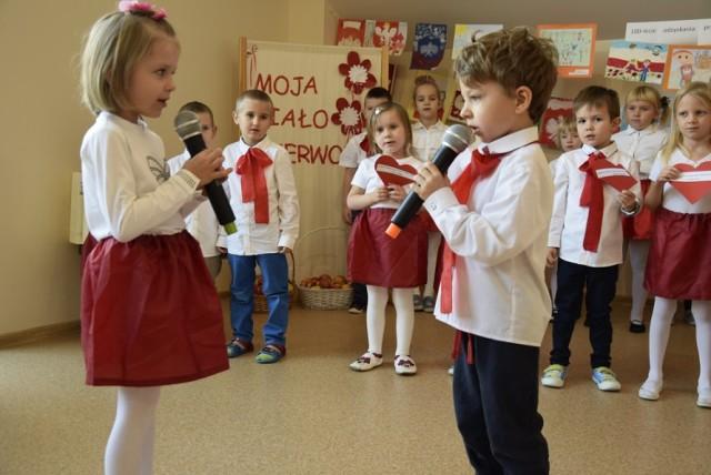 W Przedszkolu Małych Odkrywców podsumowano konkurs plastyczny Moja Biało-Czerwona. Konkurs został zorganizowany z okazji 100-lecia niepodległości Polski. Wpłynęło ponad 40 prac uczniów skierniewickich przedszkoli.