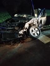 Gm. Kaźmierz. Samochody osobowe zderzyły się w Pólku. Poszkodowani trafili do szpitala [ZDJĘCIA]