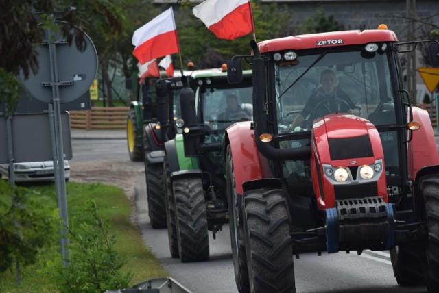 Tak wyglądał przejazd ciągnikami po ulicach Gniezna 7 października 2020 r.
