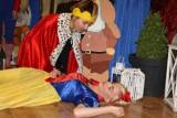 Wyjątkowy spektakl teatralny w przedszkolu Kolorowy Świat. Aktorami byli koszykarze Jamalex Polonia [ZDJĘCIA]