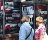 """Wystawa """"Poznański Czerwiec 1956"""" zagościła na plantach w Kaliszu ZDJĘCIA"""