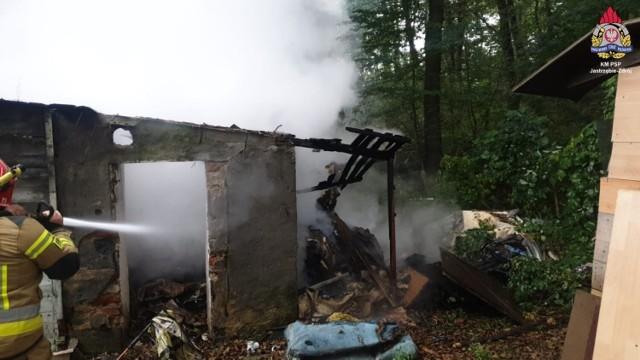 Jastrzębie-Zdrój: spłonęła altana przy Podhalańskiej.