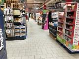 Sprawdź godziny pracy marketów w Żarach, Żaganiu i okolicach! Gdzie zrobisz zakupy przez całą dobę?