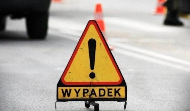 57-letni rowerzysta został potrącony przez samochód w centrum miasta. Przyczyną wypadku mógł być stan zdrowia 42-letniego kierowcy.