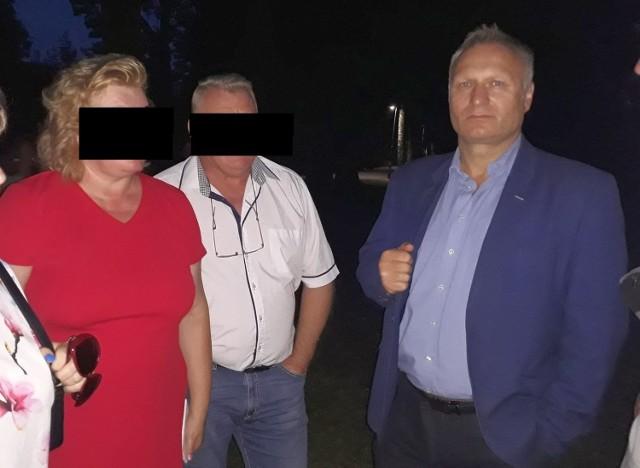 Robert Świerczek (chce, żeby publikować jego pełne nazwisko i wizerunek), jego zastępca Katarzyna Z. i jej mąż Jan K.