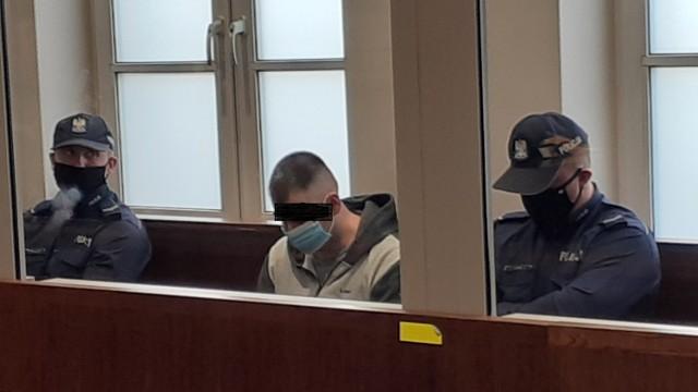 Dzisiaj 13 października w bielskim Sądzie Okręgowym został ogłoszony wyrok w sprawie Piotra Sz., byłego strażnika miejskiego, który zabił swoją ciężarną żonę.