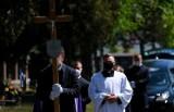 Jak wygląda pochówek osób zmarłych na COVID-19?