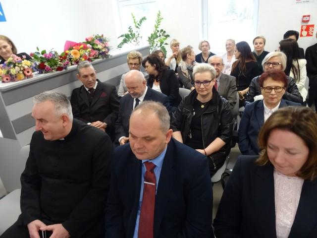 W obecności wielu gości otwarto nowe sale w szpitalu w Sokołówce