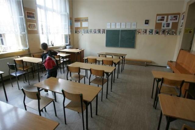 Trzy szkoły podstawowe podlegające Urzędowi Miasta Łodzi (UMŁ) przeszły w tzw. tryb hybrydowy (inaczej mieszany) w pracy z oddziałami I-III