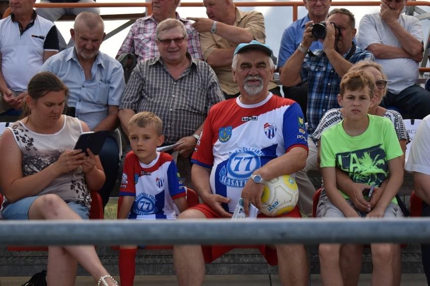 Eugeniusz Pikus jest sponsorem Sokoła Sokolniki. To dzięki niemu o klubie usłyszało całe Podkarpacie