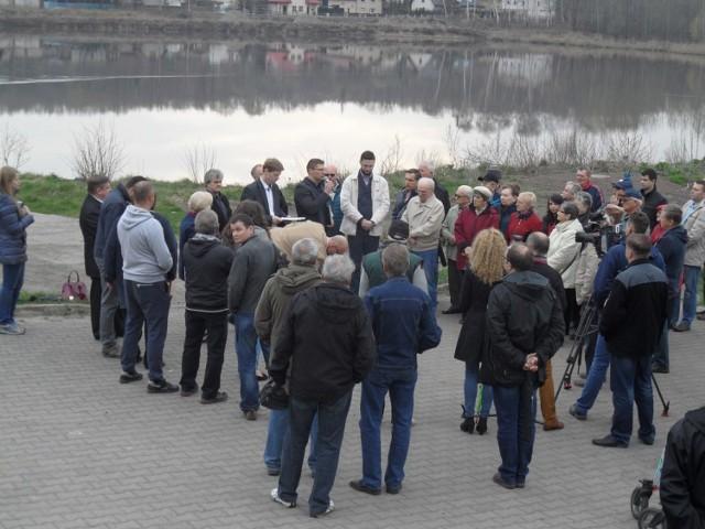 Mieszkańcy spotkali się nad stawem Kalina
