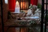 Groby Pańskie 2021 w Kaliszu. Zobacz symboliczne groby Chrystusa w kaliskich kościołach. ZDJĘCIA