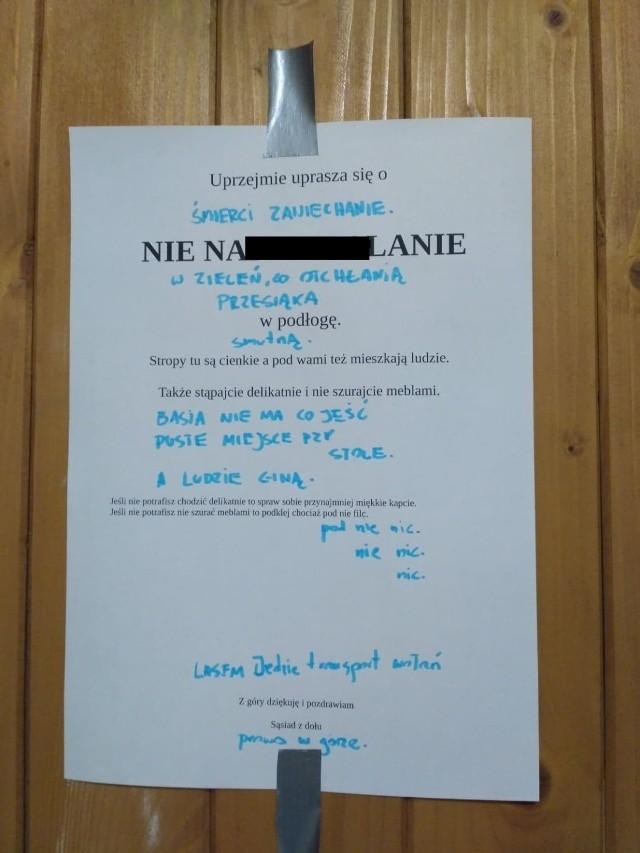 Aż trudno uwierzyć, co ludziom przeszkadza u ich sąsiadów! Zobaczcie najdziwniejsze ogłoszenia z klatek schodowych.
