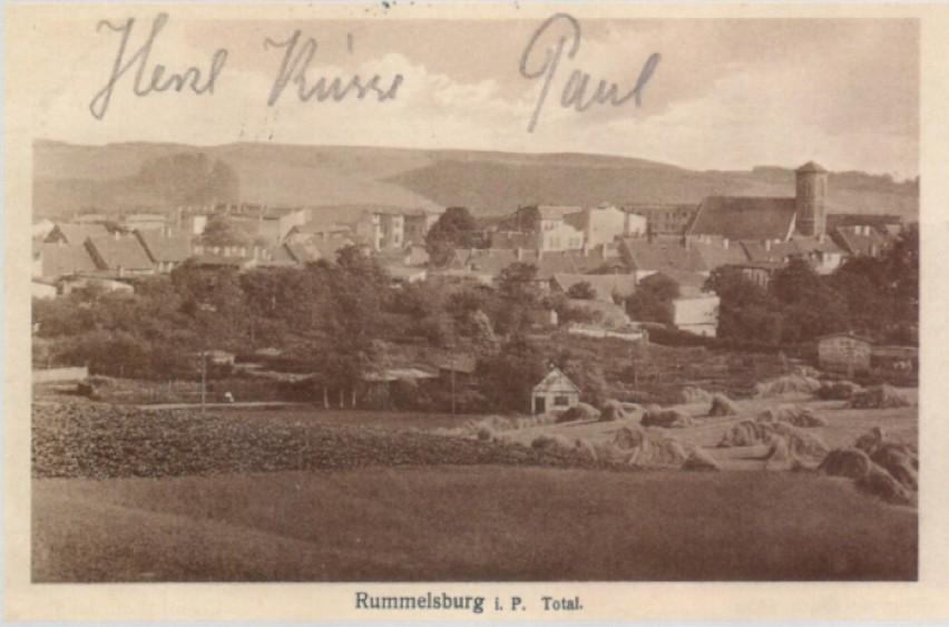 Pocztówka wysłana w 1926 roku. W prawym rogu widać kościół....