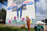 Mural fundacji Dajemy Dzieciom Siłę w Starogardzie już odsłonięty ZDJĘCIA