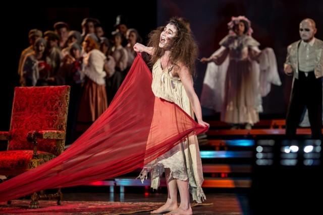 """Nowa wersja """"Łódź Story"""" to także nowi młodzi soliści, dający popis umiejętności, zaangażowania i energii"""