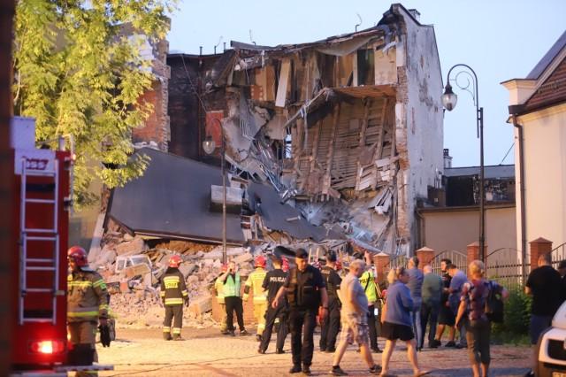 Zawaliła się kamienica w Chorzowie.  Zobacz kolejne zdjęcia. Przesuwaj zdjęcia w prawo - naciśnij strzałkę lub przycisk NASTĘPNE