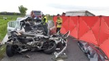 Tragedia na drodze w gminie Rusiec. Wypadek śmiertelny: jedna osoba nie żyje, trzy są ranne, 1.06.2021