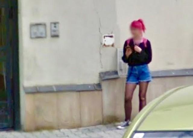 Moda na ulicach Nowego Sącza w Google Street View