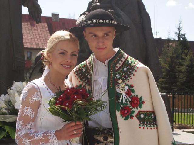 Ślub Klemensa Murańki i Agnieszki Rzadkosz