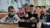 Piotrków: Uczniowie klas I-III wrócili do szkół. Jak wygląda teraz nauka w SP nr 12 w Piotrkowie?