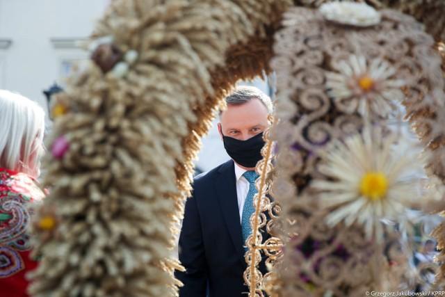 Na dziedzińcu Pałacu Prezydenckiego odbyły się doroczne Dożynki Prezydenckie, czyli święto rolników.