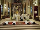 Tak wyglądają święcenia kapłańskie z seminarium 35 plus.Wyświęcał abp Ryś ZDJĘCIA