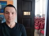Marcin Józefaciuk, dyrektor szkoły z Łodzi: nauczyciele boją się, że jak nie skorzystają z AstraZeneca, na inną szczepionkę będą czekać rok
