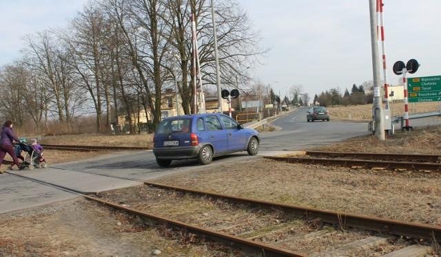 Przejście przez tory kolejowe oraz droga od Unisławia po  Kończewice ma szansę w tym roku doczekać się modernizacji