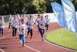 Bieg Niedźwiadka 2020. Najmłodsi biegli na stadionie w Ursusie. Obawa przed wirusem zaniżyła frekwencję