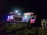 Wypadek na drodze wojewódzkiej nr 212 nieopodal Rekowa. Kierowca TIR-a był pijany