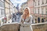 """TVN7 rozpoczęło w Krakowie zdjęcia do serialu """"Papiery na szczęście"""". W roli głównej Adriana Kalska"""