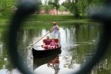 W Zamościu można poczuć się jak w Wenecji! W parku miejskim pojawiła się gondola