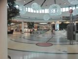 Galerie handlowe w Toruniu. Które sklepy są otwarte?