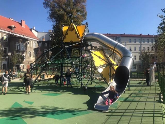 Oto najładniejszy i najfajniejszy plac zabaw w Wałbrzychu. Zobaczcie zdjęcia