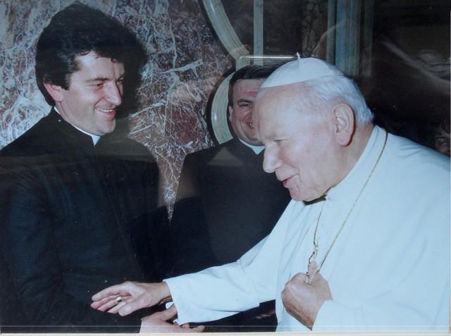 Spotkali się z Janem Pawłem II. Ks prałat Józef Szklorz, 6 stycznia 1998, Watykan