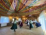 Zespoły ludowe z Wiżajn - Jezioranki i Szuwarki świętowały swoje jubileusze [Zdjęcia]