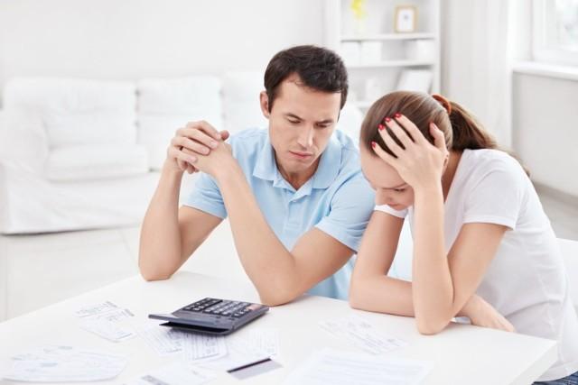 Kredyty hipoteczne zaciągamy coraz rzadziej, ale za to na coraz wyższe kwoty.