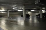 Parking przy Muzeum Narodowym stoi pusty. Urząd nic z tym nie robi