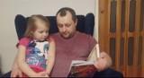 """Wielkie """"czytanie Brzechwy"""" w ostrowieckim przedszkolu numer 19. Tak uczczono Dzień Książki (ZDJĘCIA)"""