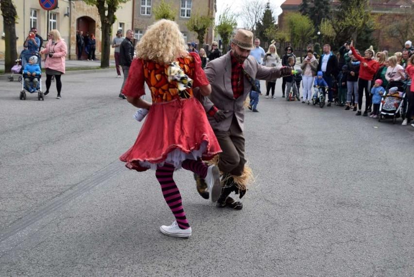 Tradycyjny Pochód z Niedźwiedziem w Czerniejewie