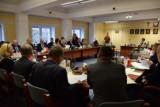 I Sesja Rady Powiatu Gdańskiego. Radni nowej kadencji złożyli ślubowanie, wybrali starostę i zarząd  [ZDJĘCIA]