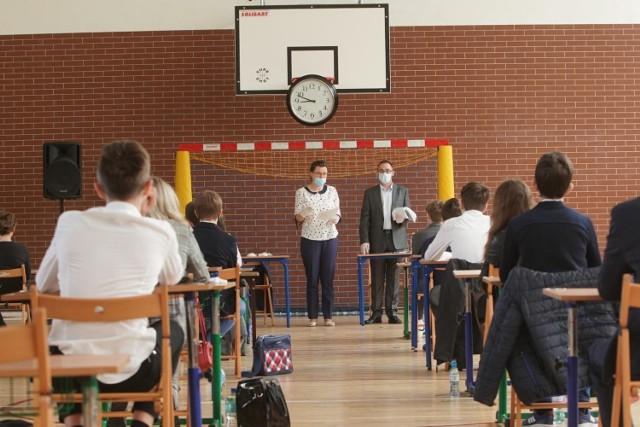 Wszystko co musisz wiedzieć o egzaminie ósmoklasisty w 2022 r., znajdziesz w naszej galerii--->>>  Polskie uczelnie najlepsze na świecie