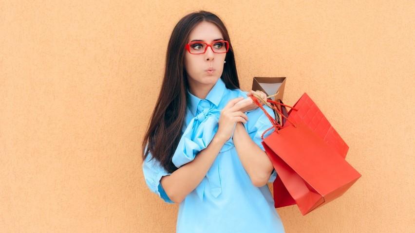 Fakt, że kupujemy ubranie w droższej siecówce lub autorskim...