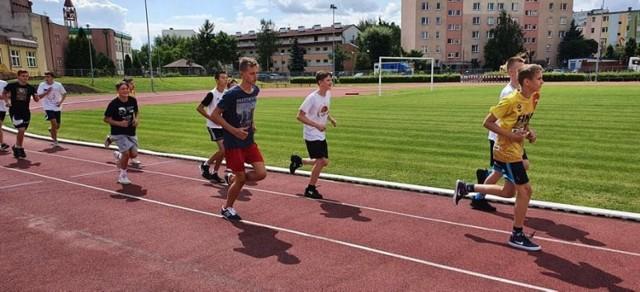 Koszykarze MKS Ósemka Skierniewice przygotowują się do nowego sezonu