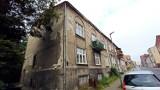 Kalisz: Miasto kupiło starą kamienicę przy ulicy Podgórze. Co z nią teraz zrobi? ZDJĘCIA