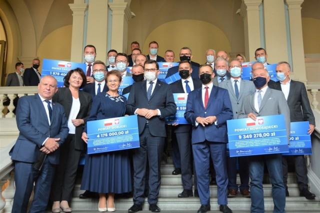 Powiat nowosądecki otrzymał ponad 9 milionów złotych. Na co pójdą te pieniądze?